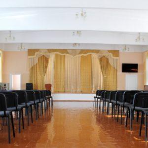 Директор могилевской школы наврала кандидату и ослушалась избирательную комиссию