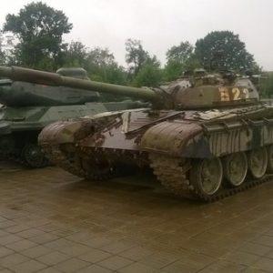 Буйничское поле превращается в стоянку советской техники под Могилевом?