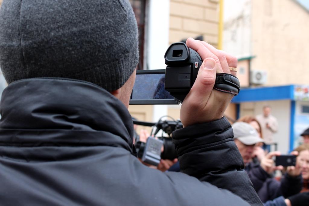 На магілёўскую акцыю пратэсту прыйшлі ў асноўным ціхары і журналісты (ФОТА і ВІДЭА)