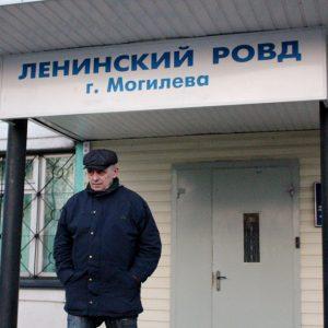 Милиция наделала ошибок в деле зачинщиков «прогулки дармоедов» и вызвала их снова