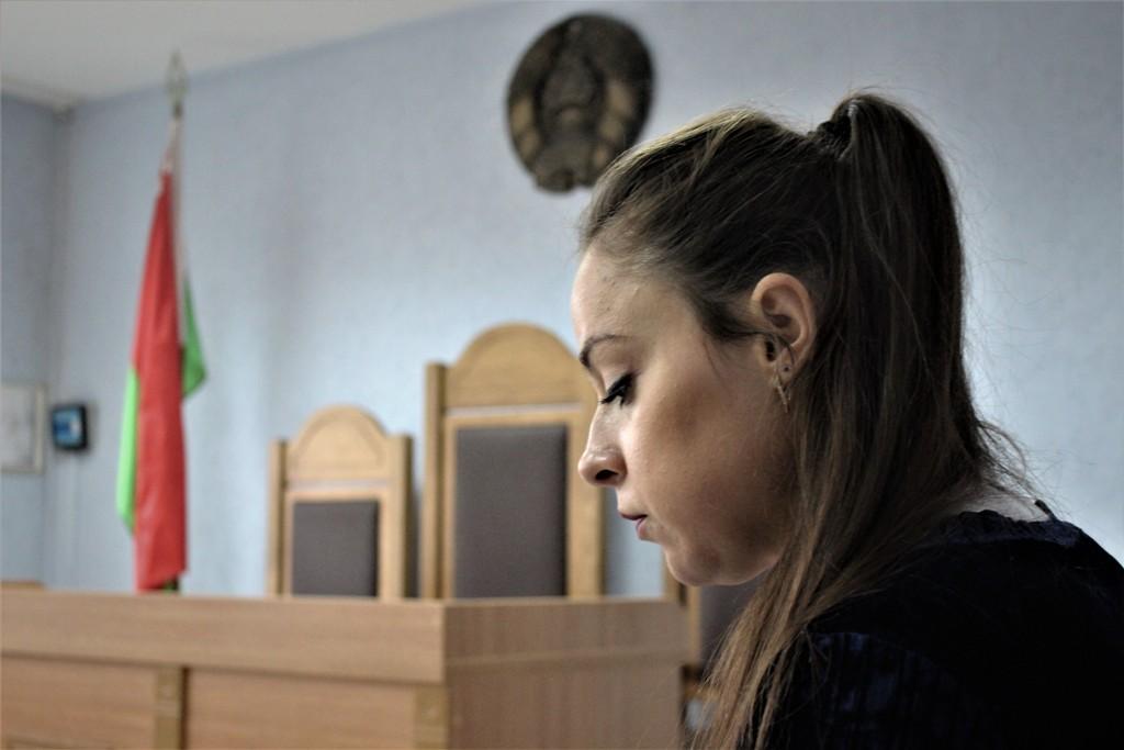 За сюжеты про «Драник-Фест» и кафе «Шпаркі лось» Алине Скребуновой дали 690 рублей штрафа