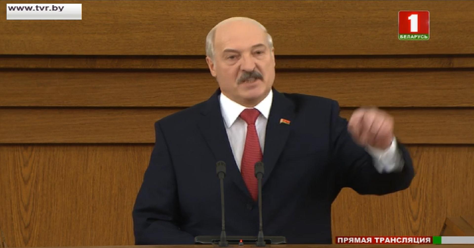 Дзясятка гарачых скрыншотаў, як чыноўнікі слухалі Лукашэнку