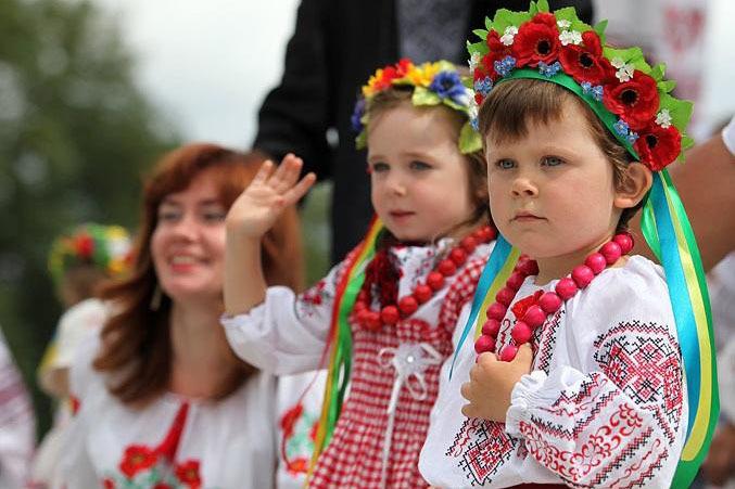 Могилевчанка хотела отдать сына в белорусскую группу в детсад. Но в Беларуси это так не работает