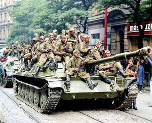"""""""Могилевские ведомости"""" оправдывают советскую оккупацию Чехословакии"""