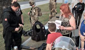 ФОТОФАКТ: к чему ФСБ России на детском празднике в Могилеве?