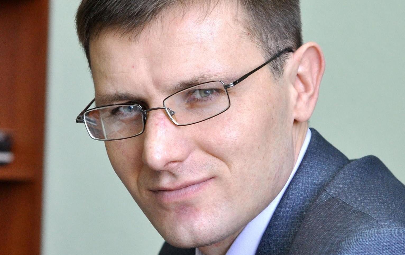 Могилевский чиновник через Твиттер предложил выбрать, что нужнее городу