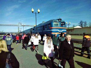 Из-за кортежа Лукашенко на границе Могилевской области дважды останавливали целый поезд с пассажирами. Люди опоздали на работу