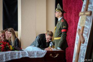 Родители не верят в суицид лейтенанта Потаповича. Их главные доводы – в одной картинке