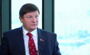 Активист пожаловался на депутата Марзалюка из-за торжественного открытия перил. Милиция отказалась отвечать на его жалобу