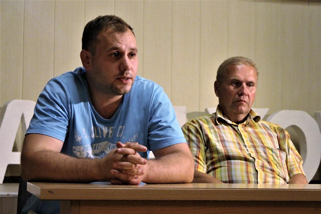Магілёўскія эка-актывісты сабраліся на выбары. На іх прэс-канферэнцыю прыйшло кіраўніцтва «Омск Карбону»