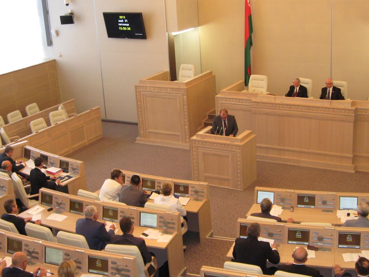 Начальник института МВД, главный БРСМ-овец страны, директор совхоза. Кто попадёт в верхнюю палату парламента от Могилевской области