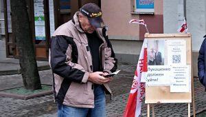 Магілёўскі вылучэнец у парламент, які патрабаваў адстаўкі Лукашэнкі, сутыкнуўся з цікавасцю міліцыі