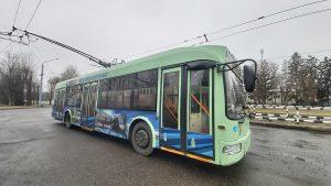 В троллейбусном парке Могилева водителей бесплатно заставляют вымывать транспорт дезрастворами без инструктажа и оплаты — сотрудник