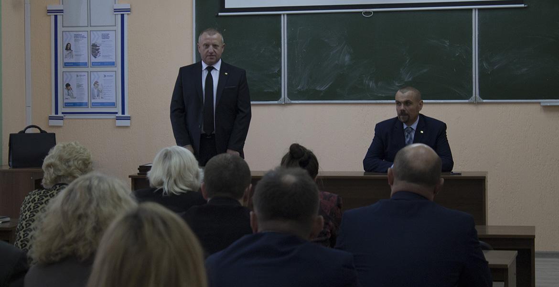 Президент милосердный. Могилевских студентов сразу после экзамена массово попросили подписаться «за Лукашенко» АУДИО